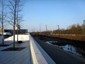Neben die Bahn noch die Autobahn durch die neue Wilhelmsburger Mitte? Können Wilhelmsburg Ost und Wilhelmsburg West so zusammenwachsen? ©Copyright Manuel Humburg