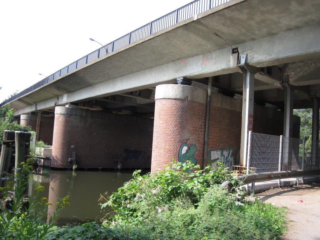Wilhelmsburger Reichsstraße: Brücke über den Ernst-August-Kanal
