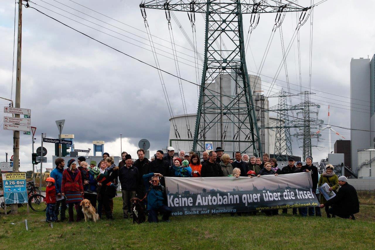 Kundgebung vor dem Kohlekraftwerk Moorburg am 8.10.2016. Der Hamburger Süden ist von den Emissionen des KKW schon genug gebeutelt!